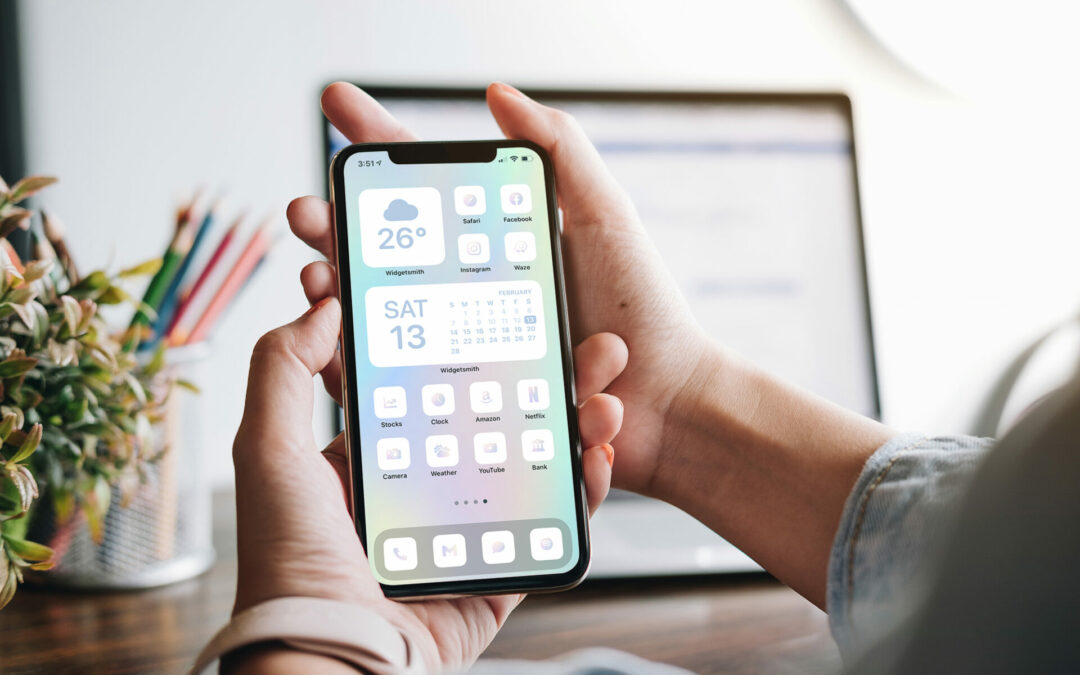 Holo/Iridescent iPhone icons
